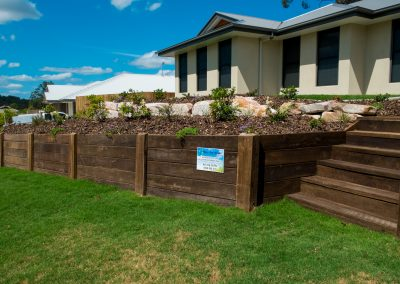 Front Yard Garden Retaining Wall - Blue Sky Yards Gympie